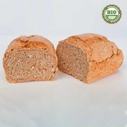 Pain de seigle de blé entier avec des graines...